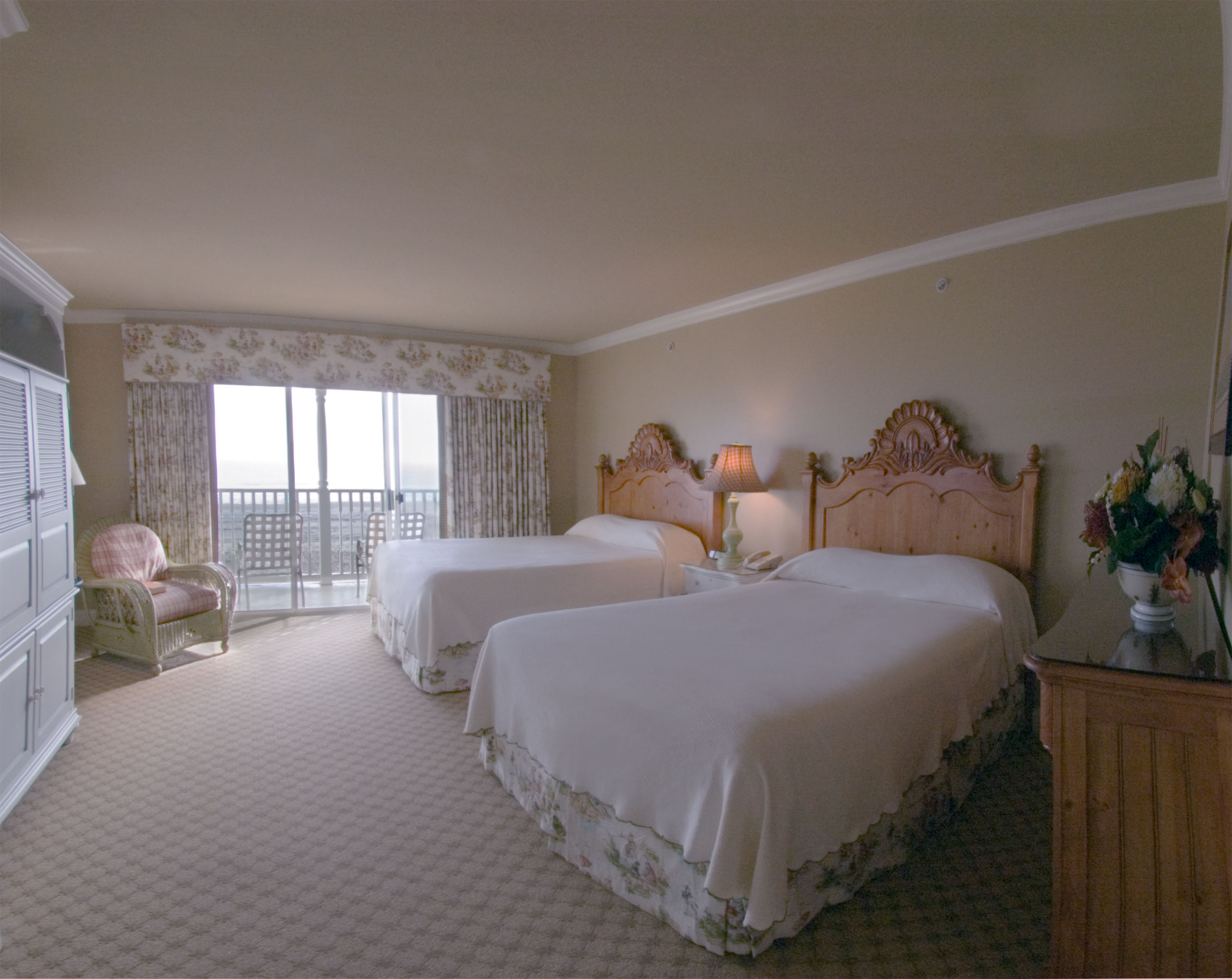 breakers hotel oceanfront suite with double beds in ocean city md